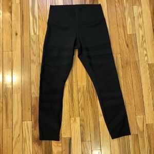 Lululemon size 8 cut out leggings great condition